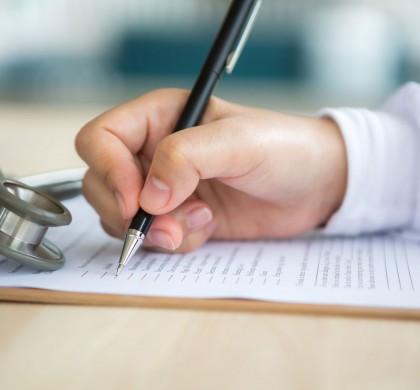 Planos de saúde de 10 operadoras têm comercialização suspensa