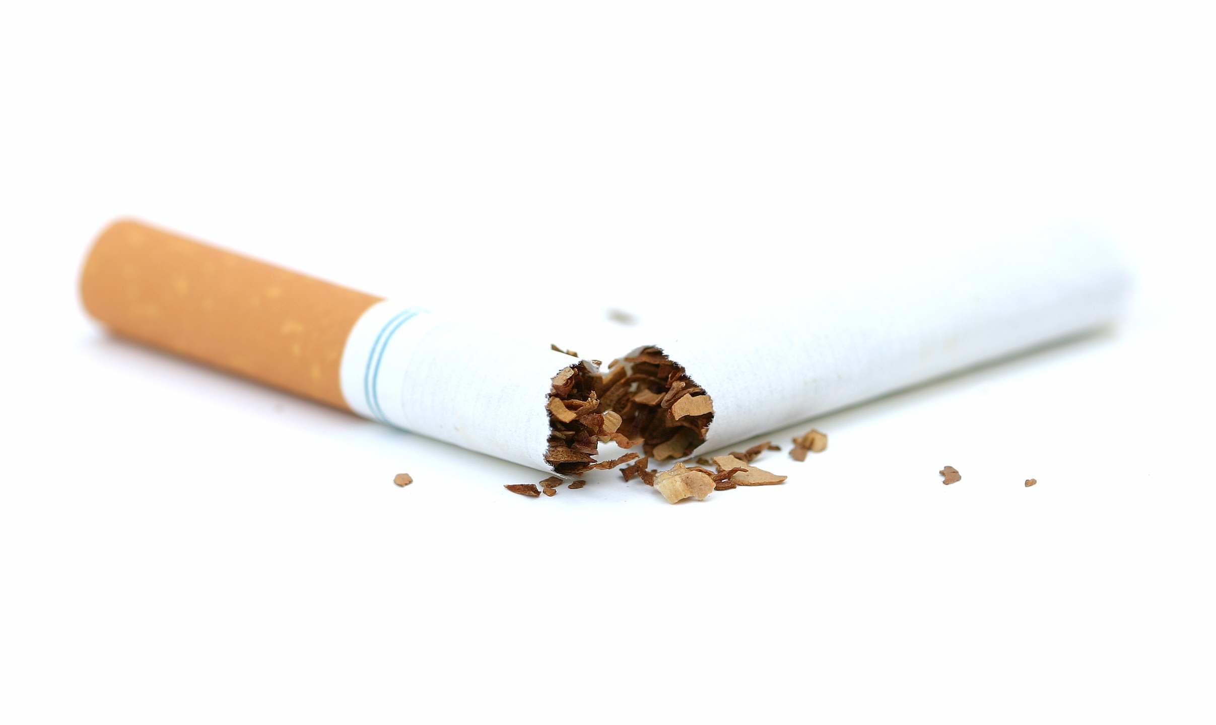 Em 20 anos, número de fumantes cai pela metade no Brasil